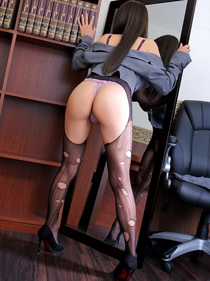 秋穂 秘書
