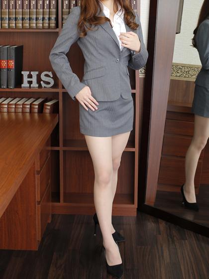 エミリ秘書♡長時間一緒に居ても飽きさせない、どんな社長様にも楽しんで頂ける魅力