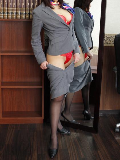 葉月 秘書♡スーツの上からもわかるその爆乳