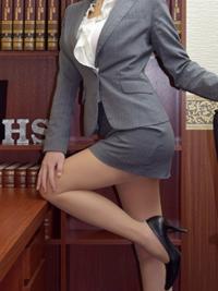 晴美 秘書