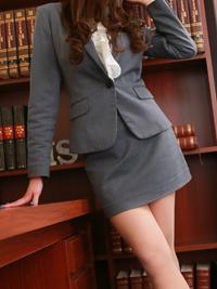 清華 秘書