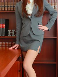 こはく 秘書