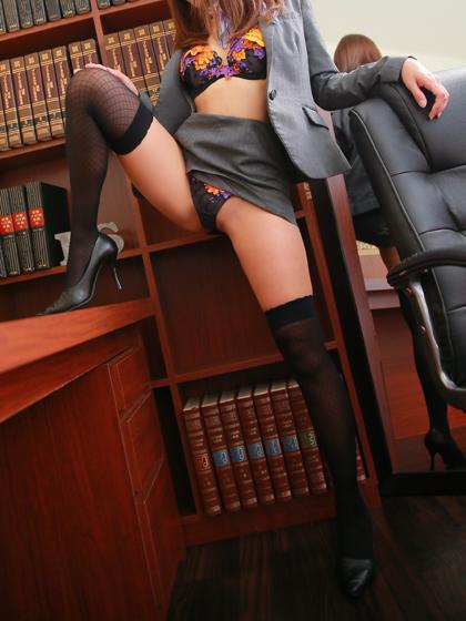 みなみ 秘書