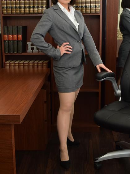 美波 秘書