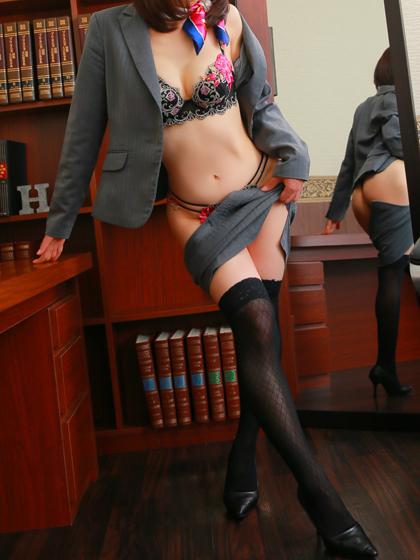 みのり秘書♡未経験ながら少し緊張気味ですが Hな事には貪欲です!