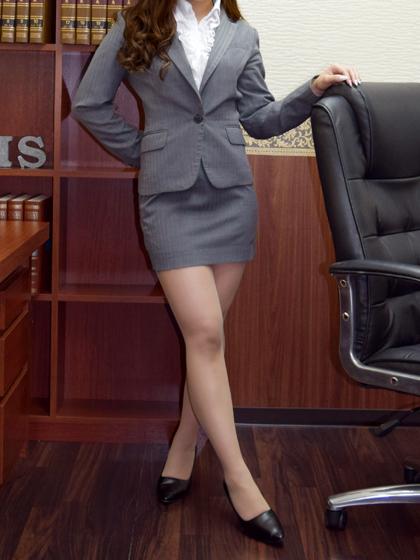 美智瑠秘書♡可愛らしさといやらしい体つきのギャップ…