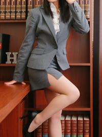 美雨 秘書