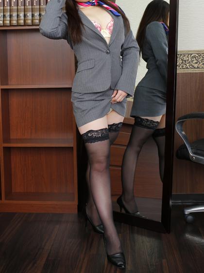 もな秘書♡名残惜しさを感じてしまう程に充実のお時間を社長様にお約束いたします♪