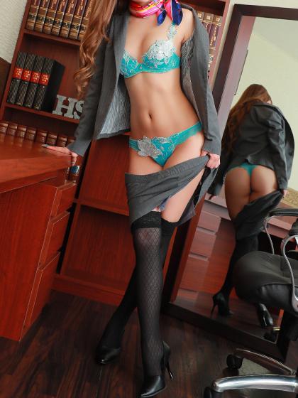 ノア秘書♡誰もが魅了される美貌、そして美し過ぎるフォルム・・すべての社長様を魅了させる、美顔の極上秘書!
