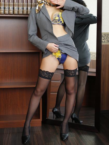 蘭子秘書♡完全未経験から人気秘書へ・・・!まさに彼女は極上のダイヤモンド!