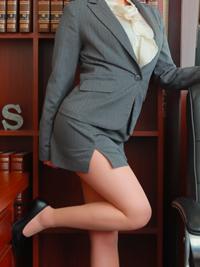 りな 秘書