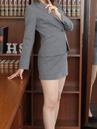リオナ 秘書