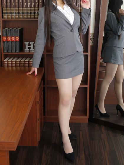 りりこ 秘書