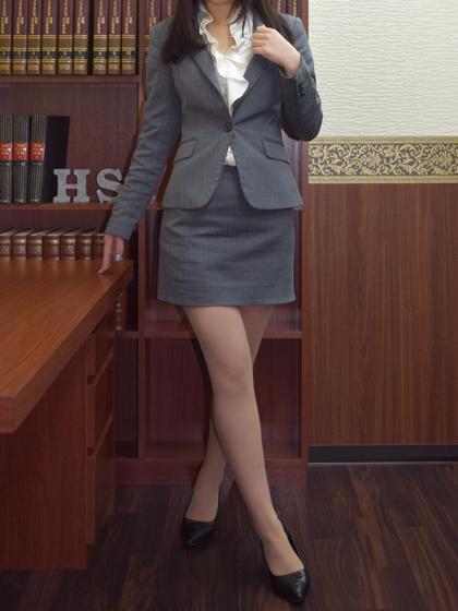 リサ 秘書
