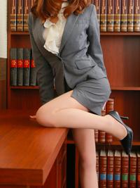 志稀 秘書