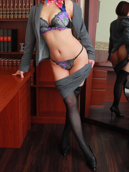 うい秘書♡瞳がとても綺麗で感性豊かな、清楚可愛い笑顔