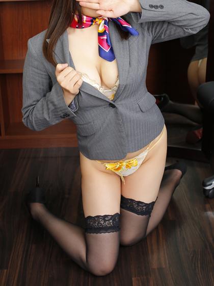 うい 秘書