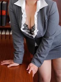 うの 秘書