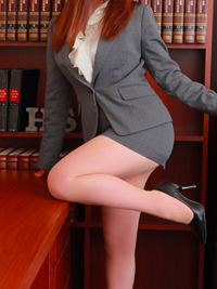 うた 秘書