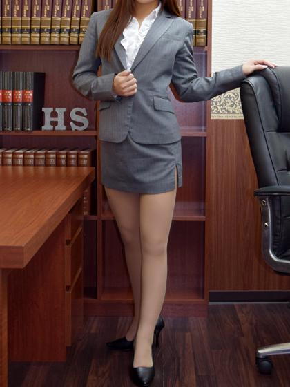 ゆか秘書♡魅力的で健康美あふれる裸体は想像を超えるエロさです!