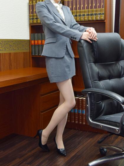 ゆき秘書♡穢れを知らぬかのような彼女の身体は、まさに純潔!その透明感あふれる素肌に触れた時、すべてが過去に変わります!