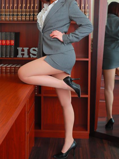 優花 秘書