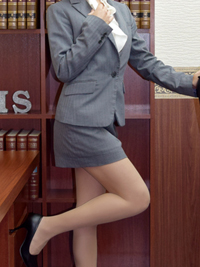優梨 秘書