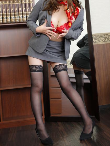 真菜秘書♡『D』カップ美麗なフォルムのバスト! くびれたウエストラインは 男性の第五感を刺激します。